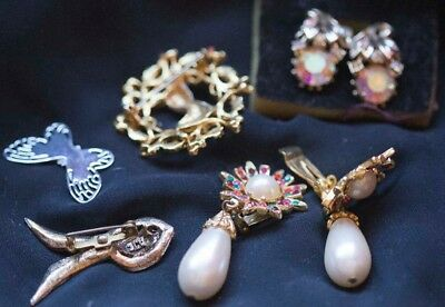 Mixed Lot of Vintage Costume Jewelry, Earrings, Pins, Misc Gold-Silver Tone