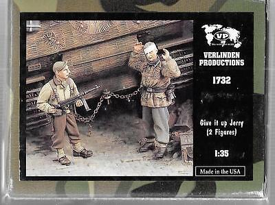 Verlinden WWII US Tanker and German POW, 'Give it Up', 2 Figures 1/35 1732 ST