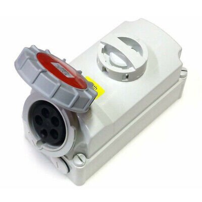 32A Interlocked Connector 5 Pin 3P+N+E Switched Socket 380-415V IP67 Waterproof