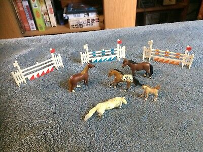 LOT 5 Micro Mini Horses 3 CREATA 3 JUMPING FENCES OTHERS