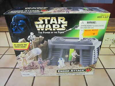 Star Wars The Power Of Force Endor Attacke Spielset mit / Swinging Tree 1997 Neu