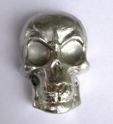 Pewter Skull Hand poured large size 5cm weight 123 grams