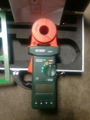 Extech 382357 Clamp On Ground Resistance Meter