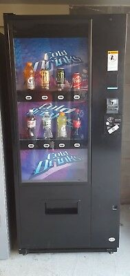 Vendo V21 Live Display 8 selection Drink machine Excellent Condition