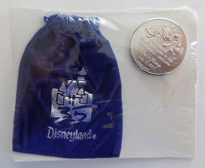 Disneyland 35th Anniversary Commemorative Coin w/ Pouch Mickey Mouse 1990 NOS