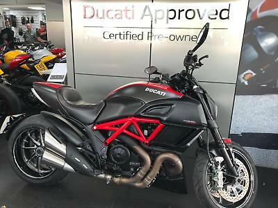 Ducati Diavel Carbon red 65 Reg low mileage musclebike motorcycle