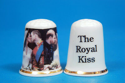 The Royal Küsst - Princes William & Harry Hochzeitstag China Fingerhut B / 15