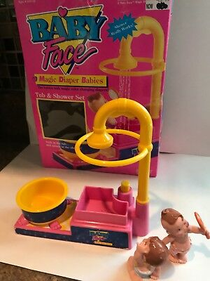 Vtg Baby Face Doll MAGIC DIAPER BABIES Galoob  tub and shower set