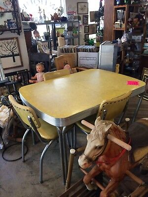 Vintage 50's style Kitchen table and 4 chairs EXCELLENT condition YELLOW