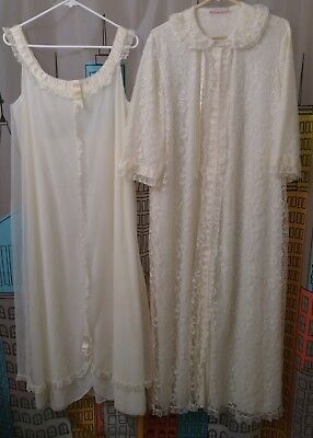 Vintage Odette Barsa Lace & Ruffles Peignoir Robe & Night Gown Cream