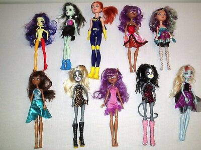 Large Group Lot of  Monster High Dolls & Clothes