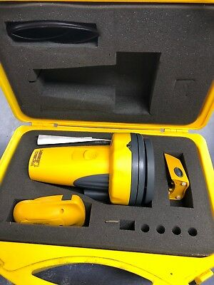 RoboToolz Robo Laser-Self leveling laser- RB01001- w/ carrying case and remote