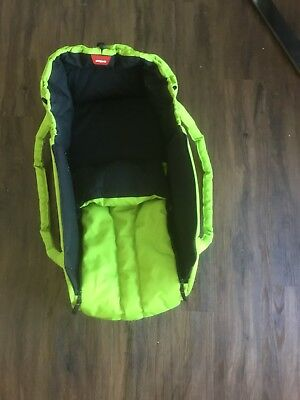 Phil&Teds Cocoon Carry Cot & Buggy Bed in Apple