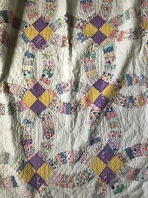 Vintage Hand Stitched/Handmade Quilt - Full Size Lavender/Cream Ring Pattern