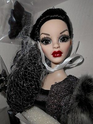 Tonner Parnilla Ghastly Time To Go Nude W/white Shipper Wilde Imagination