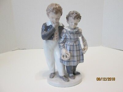 Royal Copenhagen Figurine Boy and Girl  #1761 Hard to Find Flight to America
