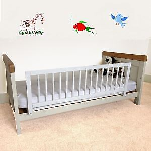 Safetots Wooden Safety Bedrail Bed Guard Bed Rail Bedguard barrier White RETURN