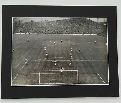 "C1952-53 SHEFFIELD WEDNESDAY ACTION PRESS PHOTO vs. BLACKPOOL IN MOUNT  14""x 11"""