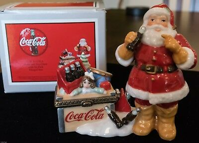 COKE Midwest PHB COCA-COLA Santa & Toy Chest 6 Pack Inside Hinged Porcelain Box
