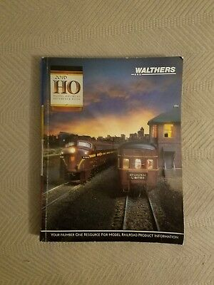 Preowned Walthers HO Scale 2016 reference catalog