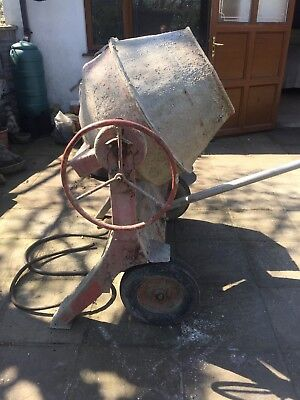 Petrol cement mixer with Villiers engine
