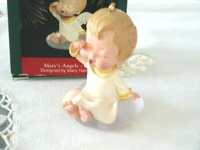 1992 Hallmark 1992 Mary's Angels Lily # 5 In Series Ornament
