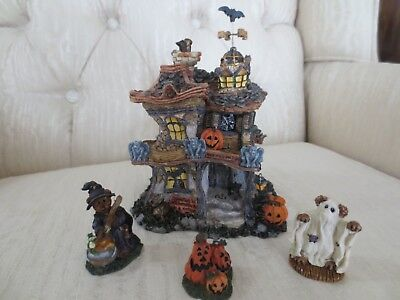 Punky Boobear's Haunted Halloween House from Boyd's Bearly-Built Villages