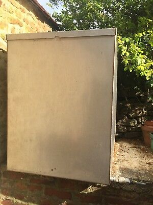 Galvanised Steel Water Tank with Lid approx 750 litres Very good condition