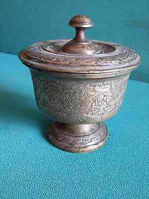 Antique Old Brass Hand Engraved Beautiful Shape Royal Spiting Bowls Pot #2902