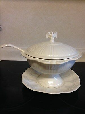 Lane & Co. American Eagle/Stars/Soup Tureen Stoneware/With Plate/White