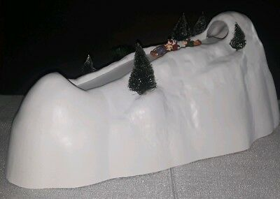 DEPT 56 VILLAGE  TOWN ANIMATED SLEDDING HILL WORKS! With org box