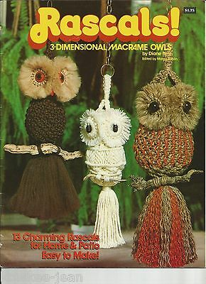 RASCALS: thirteen 3-dimensional owls to macrame.  Vintage pattern book, SUPERB!