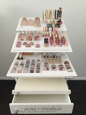 Jane iredale The Skincare Make Up mit Display