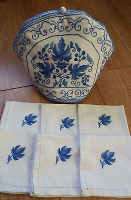 Old/vintage teacosy with removable cover and 6 matching napkins, blue embroidery