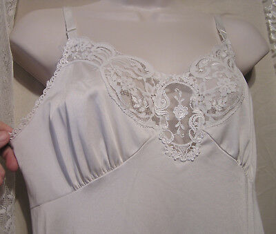 Gorgeous White Shadowline Full Slip w/Exquisite Lace Bodice & Hemline! WOW! 34
