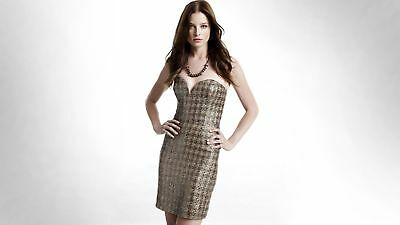 Rachel Nichols Posing with Hands On Hip 8x10 Picture Celebrity Print