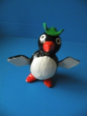 Penquin toy desk topper Hand Painted Carved Dancing Bobble Head Wood A26