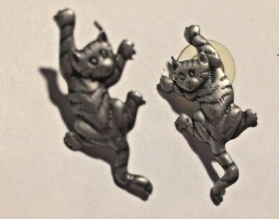 Vintage Jewelry J.j.jonette Pewter Cat Climbing Pierced  Earrings B3