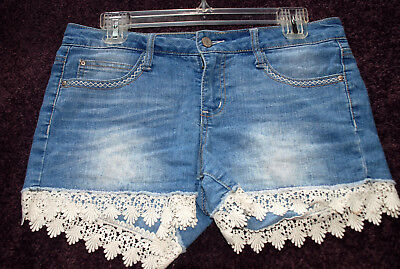 lei denim jean shorts with lace edging Size 7 JR