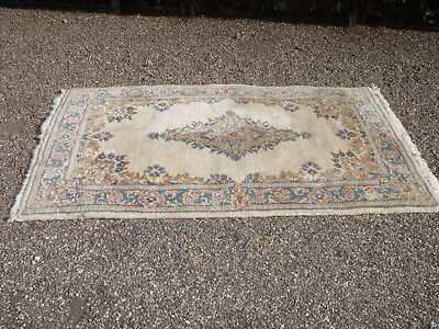 ANTIQUE 1950s WOOLEN RUG  CREAM BASED WITH TASSLES