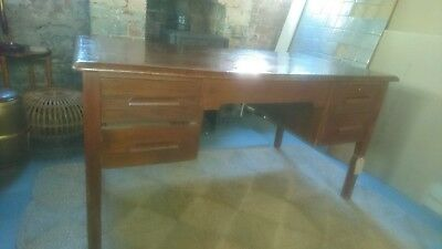 Lovely Vintage Retro Oak Abbess Twin Pedestal 4 Drawer Large Industrial Desk