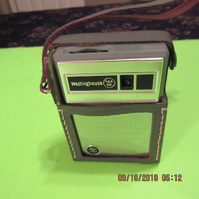 VINTAGE WESTINGHOUSE 6 TRANSISTOR AM RADIO  MODEL H-707P6GPA Green ,Plays