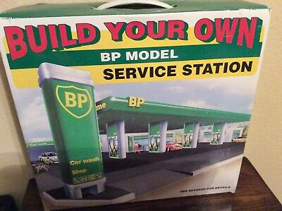 New Never Used 1995 Bp Model Build Your Own Service Station