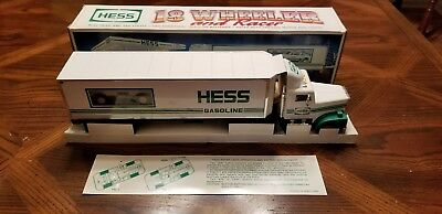 1992 Hess 18 Wheeler And Racer - Mint In Box!