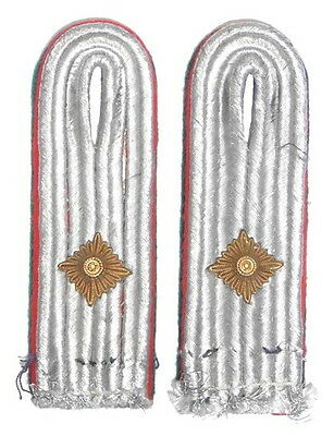WW2 Original German Air Force Administration Lieutenant Shoulder Board Pair