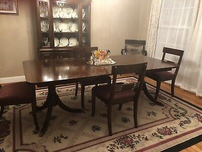 1947 Dining room suite