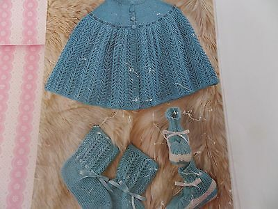 Ladies Knitting Pattern Bed Jacket And Bed Socks Double Knitting