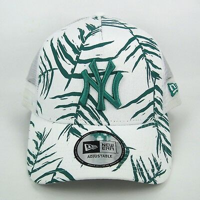 New Era Men's MLB NY Yankees Green Leaf Trucker Snapback Cap - One Size