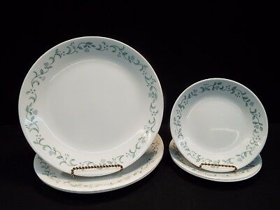 """Set of (3) Corelle Country Cottage 10 1/4"""" Dinner Plates &(3) 6 3/4 Bread Plates"""