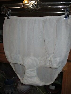 Vintage Panties Panty White New Old Stock Nylon Lace Trim Mushroom Gusset 7